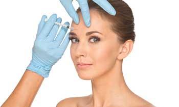 Aplikace botoxu na čelo